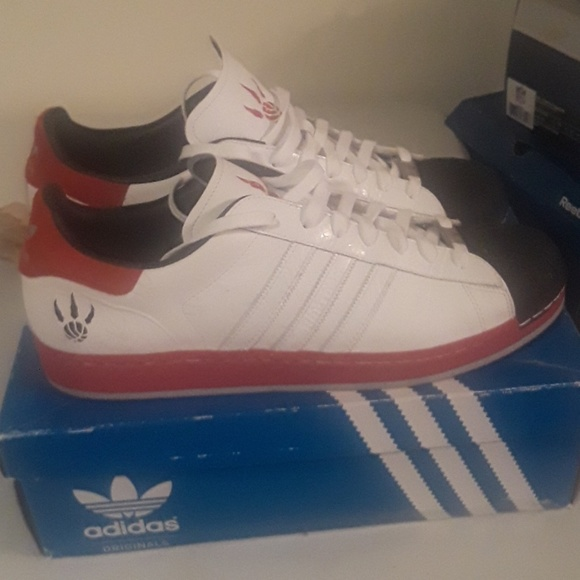 Adidas Shoes Shell Toe Shoe Toronto Raptors Edition         Poshmark    adidas Sko   title=         Superstar 1 Toronto Raptors          Poshmark